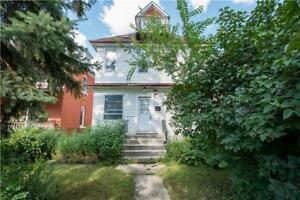 Very Big House, close to U of W, Broadway, 6+ Beds, 4 Bathrooms