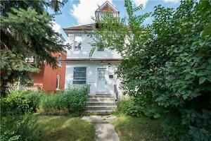 Big House,6Bdrm, Walking distance to U of W, Broadway, Downtown
