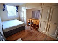 **Stunning Double Room** Move in Today !!**