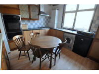 2 rooms available in Poplar - all inc.