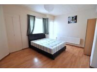 4 NEW ROOMS in REFURBISHED FLAT !