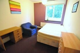 DOUBLE ROOM, single use in great location. WHITECHAPEL