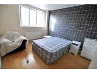 Smashing double room available now in Stepney Green