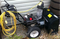 """Conquer The Snow This Winter! Mint Condition 28"""" Snow Blower!"""