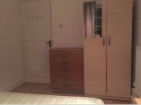 Affordable Double In Canary Wharf