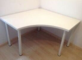 White corner table + chair