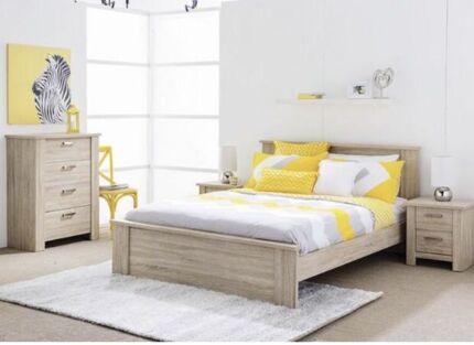 4 pieces Queen Bed suit $799