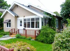 Beautiful Fully Furnished Home Near Lake