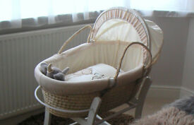 Mothercare 'Teddys Wash Day' Moses Basket in soft neutral colour