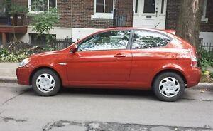 URGENT - 2009 Hyundai Accent  (2 portes)