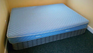 Queen size bed: box-spring with mattress