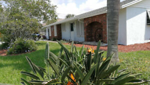 Beautiful Villa with Pool for Rent in Venice, Florida