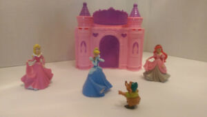 Disney Decopac Princess Castle Cake Topper & Playset