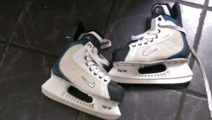 Nike ladies size 7 skates