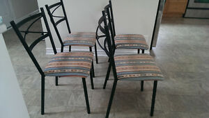 Set of 4 Dining Chairs London Ontario image 2