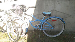 Ladie's cruiser with basket. Good condition.