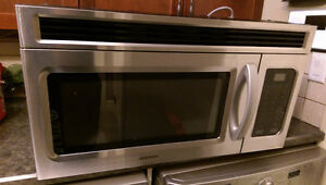 Microwave 1.6 Cu.Ft.Over-the-Range Samsung Stainless Steel