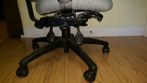 Fully adjustable office chair (Green) Kitchener / Waterloo Kitchener Area image 5