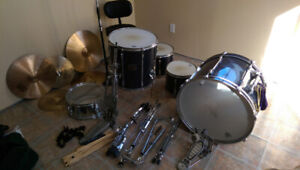 Complete Pearl Drum Set - Looking for a new home!