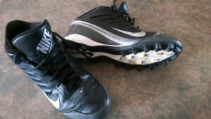 Nike youth size 5 football cleats
