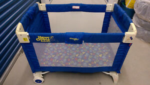 evenflo playpen. Older but in great condition!
