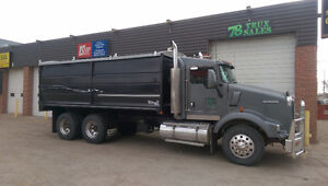 2006 KENWORTH T800, 13SPD AUTO GRAIN TRUCK