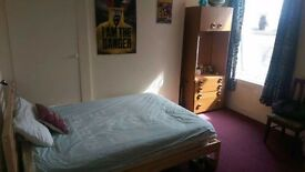 Double room available to rent in shared flat, Queens park