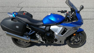 2010 GSX650F with Hard Cases