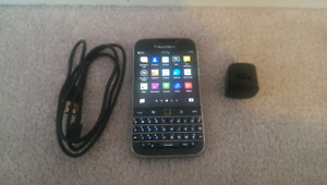 BlackBerry Classic unlocked wind/freedom compatible