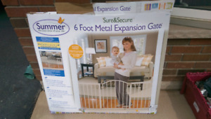 Metal baby gate - expandable with swing gate