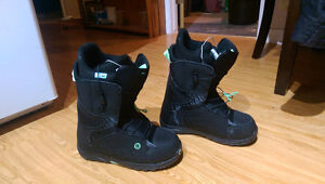 Women's Snowboard Boots, Size 9.5 - Nearly Brand New!