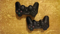 2 Playstation 3 controllers