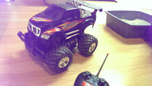 R/C Truck and fwd Nissan 350z