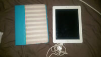 IPad 3 16gb with Case and Cord lightly used