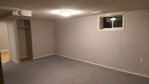 1 BDRM basement suite east side near broadway nice and bright