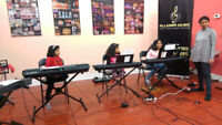 Bollywood/Indian Keyboard and Western Piano classes in Brampton.