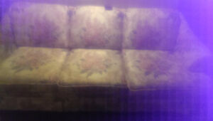 Floral sofa excellent cond. smoke/ pet free