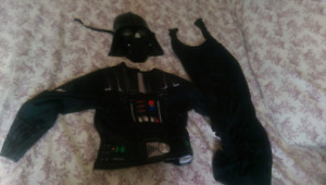 Star wars mask+ top+cape. Like new