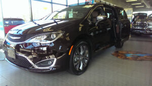 2017 Chrysler Pacifica Limited - New! New! New! New! New!