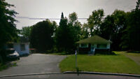 Pointe-Claire Bungalow huge triple lot