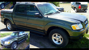 2001 Ford Explorer Sport Trac Black Pickup Truck