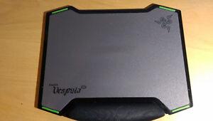 Souris Razer Abyssus (20$) + Tapis Razer Vespula (20$)  30$ kit