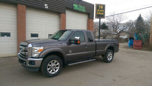2011 Ford F-250 Lariat, LOW KM