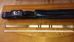 LUCASI HYBRID FUSION LHF62 CUE with 2x2 case