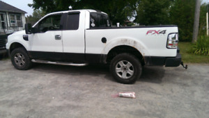 2004 Ford F150 FX4 for parts