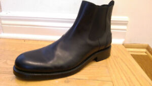 NWT Wolverine Montague 1000 Mile Chelsea Boot (Size 7 US)