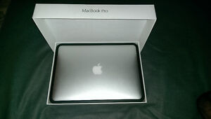 """Macbook pro 13"""" 2015 in mint condition"""