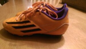 Adidas youth soccer shoes. Size 2.