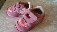 Saucony runners Size4 toddler