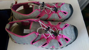 Youth Size 5 Hiking/Beach Sandals